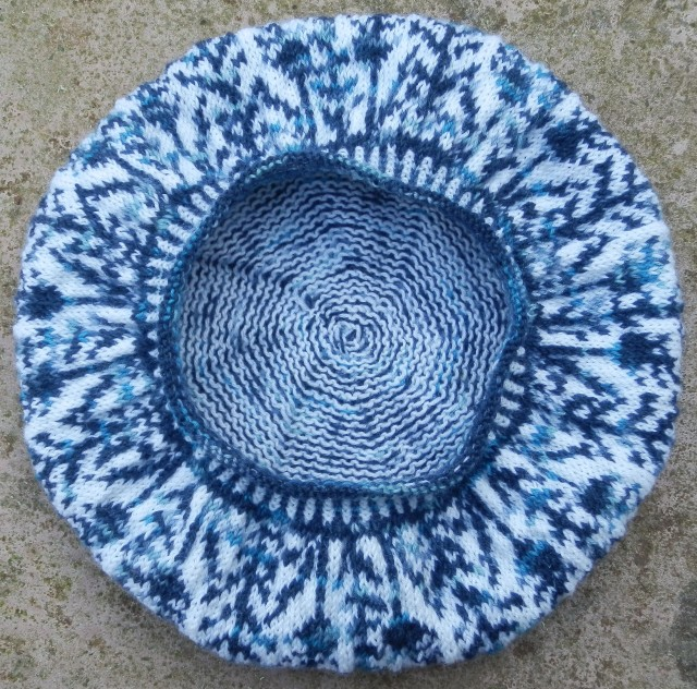 delft blue hat bottom